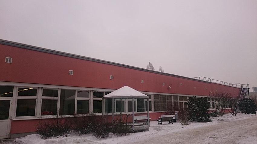 RWF-Beispielgebäude Typ Gewerbe, Standort BSR-Ausbildungszentrum - Gebäudeteil 2 Werkstatthalle, Mierendorff-Insel. (c) ROOF WATER-FARM, Foto Grit Bürgow