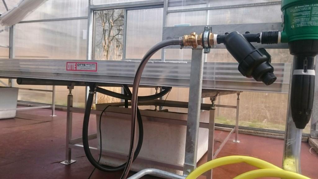 Einrichtung der Hydroponik-Teststrecke. Foto Grit Bürgow